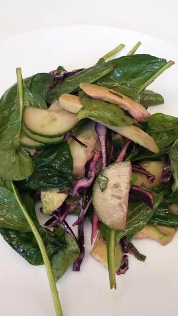recipe-salad-avocado-and-cucumber