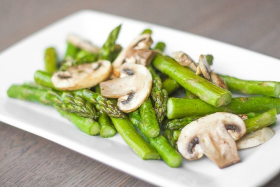 roasted-garlic-asparagus-and-mushrooms-02