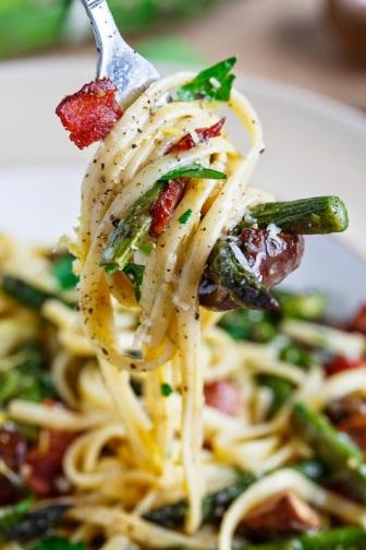 Roast Asparagus and Mushroom Carbonara